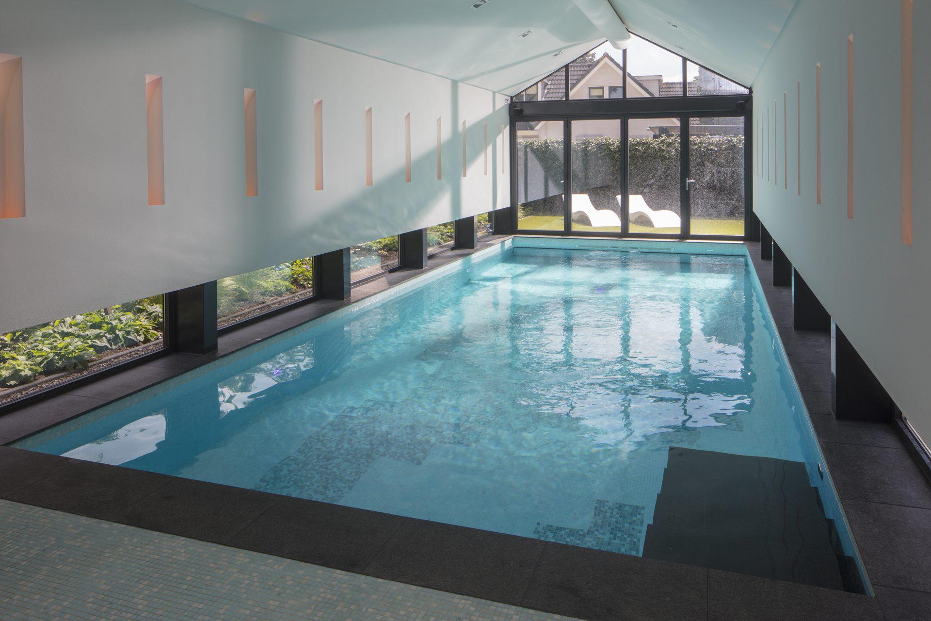 Binnenzwembad Bos Zwembaden
